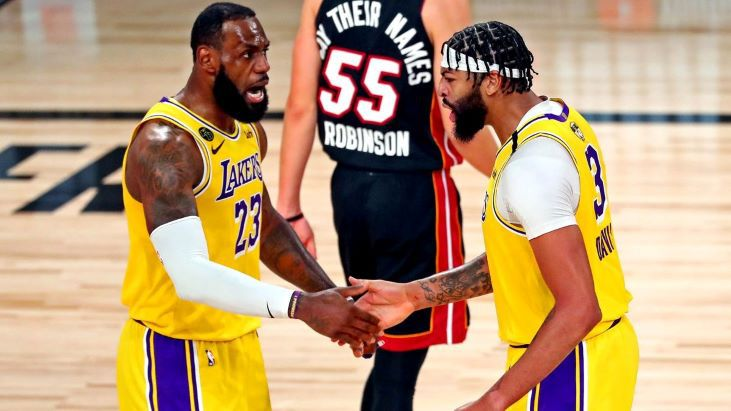 Баскетбольный поединок «Лейкерс» — «Клипперс», прогноз и ставка